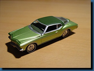 Johnny Lightning 1972 (Green) Buick Riviera 1:64